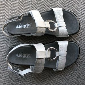 Alegria by PG Lite White Leather Comfort Sandal 37